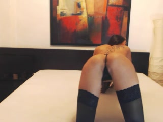 beautiful brunette strips and masturbates live